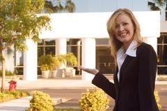 Corretor das vendas dos bens imobiliários Imagens de Stock Royalty Free