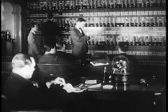 Corretores no assoalho de troca em New York Stock Exchange video estoque