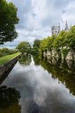 Corrib河和圣徒慈悲Vincents女修道院,戈尔韦爱尔兰 免版税库存照片