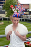 Corrida de cavalos, dia de senhoras no Ascot Fotos de Stock Royalty Free