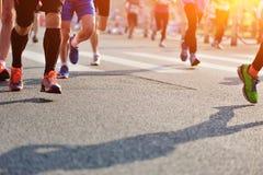 Corrida dos atletas da maratona Imagens de Stock Royalty Free
