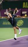 Corridas de Federer para la bola en Qatar Fotos de archivo libres de regalías