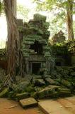 Corridas del templo camboyano antiguo imagen de archivo libre de regalías