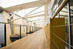 Corridoio 2 dell'ufficio fotografia stock libera da diritti