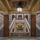 Corridoio all'interno della scala al Campidoglio dello stato di Wisconsin Immagini Stock Libere da Diritti