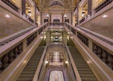 Corridoio all'interno della scala al Campidoglio dello stato di Wisconsin Fotografia Stock