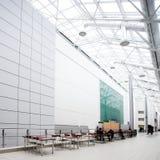 Corridoio bianco dell'ufficio Immagini Stock