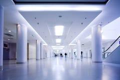Corridoio blu dell'ufficio Fotografia Stock Libera da Diritti