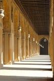 Corridoio del cortile della moschea Immagini Stock