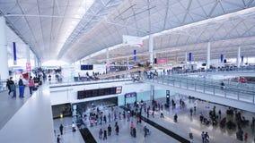 Corridoio del terminale di aeroporto stock footage