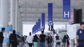 Corridoio del terminale di aeroporto video d archivio
