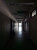Corridoio dell'università immagini stock