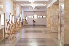 Corridoio della galleria di arte Fotografia Stock