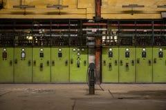 Corridoio di distribuzione di elettricità nell'industria metalmeccanica Fotografie Stock