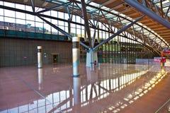 Corridoio di partenza all'aeroporto Immagine Stock Libera da Diritti