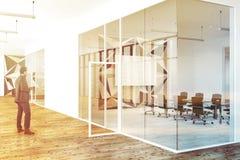Corridoio di un uomo dell'ufficio di vetro e del motivo a stelle Fotografia Stock