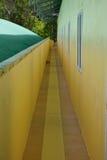 Corridoio giallo in costruzione Immagine Stock