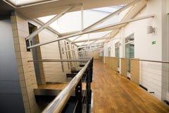Corridoio nell'edificio per uffici Fotografia Stock