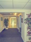 Corridoio nella costruzione di appartamento Fotografie Stock Libere da Diritti