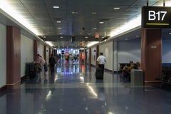 Corridoio occupato nell'aeroporto di Las Vegas Fotografia Stock