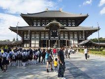 Corridoio principale del tempio di ji di Todai a Nara Immagini Stock Libere da Diritti