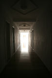 Corridoio scuro fotografie stock