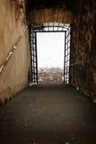 Corridoio scuro con una luce alla conclusione di Fotografia Stock Libera da Diritti