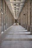 Corridoio stretto lungo Immagine Stock