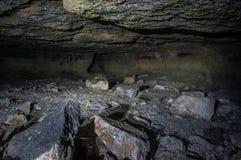 Corridoio in una caverna immagini stock
