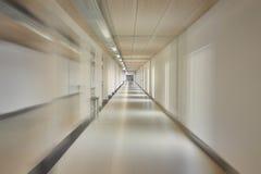 Corridoio in una grande costruzione fotografie stock