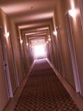 Corridoio vuoto e curvato dell'hotel Immagini Stock