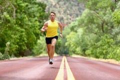 Corridore corrente dell'uomo che sprinta per la salute di forma fisica Fotografia Stock Libera da Diritti