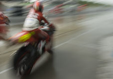corridore della motocicletta di movimento della sfuocatura Fotografia Stock