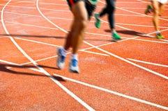 Corridore su funzionamento competitivo Fotografia Stock