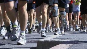 Corridori maratona archivi video