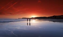 Corridori in spiaggia di Hendaye Immagine Stock Libera da Diritti