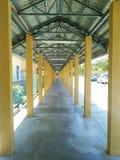 Corridorin symmetri Arkivbilder
