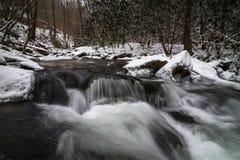 Corriente ahumada 4 del invierno de la montaña Imagen de archivo