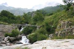 Corriente de Pantacreus, montañas marítimas, Entracque (25 de julio de 2014) Imagen de archivo