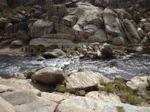 Corriente lisa de la roca Fotos de archivo libres de regalías