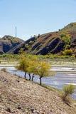 corriente y colina Foto de archivo