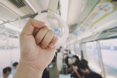 Corrimão branco no metro foto de stock