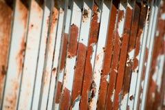 Corrimão cinzento oxidado fotografia de stock
