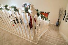 Corrimão & escadas de canto do Natal fotos de stock