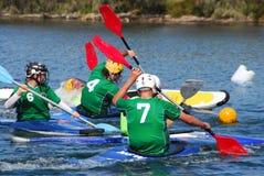 Corrispondenza di polo di acqua della canoa Fotografie Stock