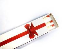Corrispondenze di legno rosse in scatola di fiammiferi Fotografia Stock
