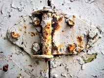 A corrosão do metal pode ser mesmo bonita a destruição de um reboque velho fotos de stock