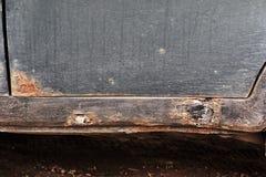 Corrosione sulla vecchia automobile fotografie stock libere da diritti