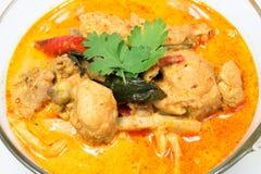 Corroyez le poulet avec des pousses de bambou, nourriture thaïlandaise Photo stock
