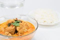 Corroyez le poulet avec des pousses de bambou, nourriture thaïlandaise Photos libres de droits